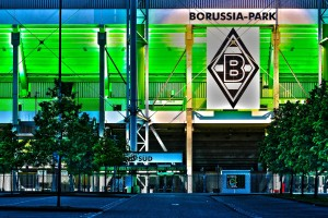 Quelle: http://pixabay.com/de/borussia-stadion-fu%C3%9Fball-597506/